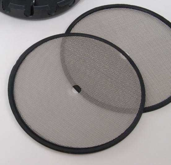 Canister Mesh with rubber molded edge